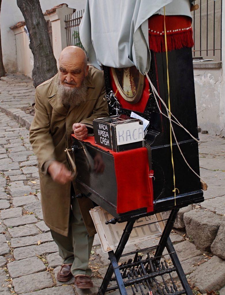 Organ Grinder, Plovdic